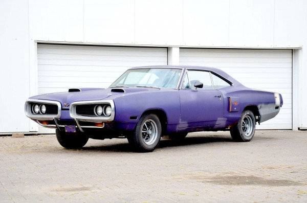 1970 Dodge Coronet R/T plum crazy